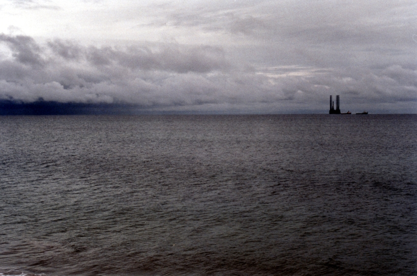 02-07-1998 oil drilling rig seen from Henty Bay CP.jpg