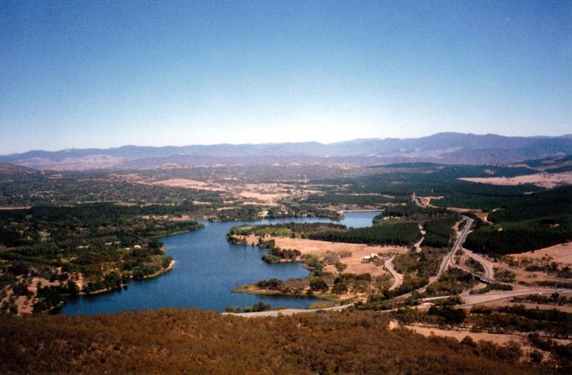 03-09-1998 04 west end Lake Burley Griffin, Yarralumla, Scrivener Dam.jpg