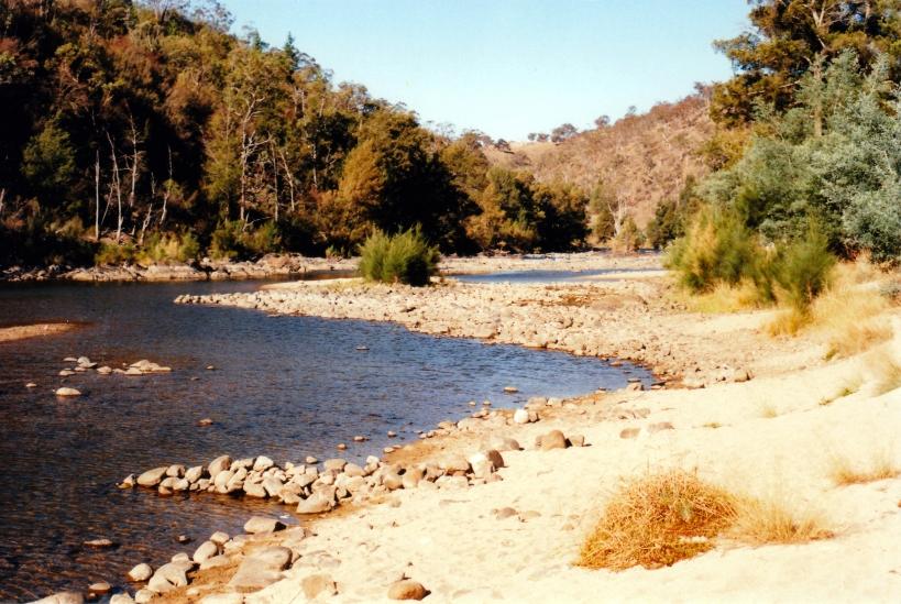 03-17-1998 02 Murrumbidgee Casuarina Sands picnic area.ACT.jpg