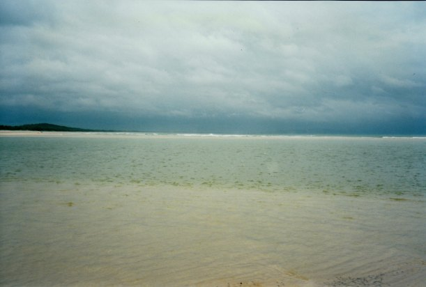 04-17-1998-01-teewah-beach-storm-coming