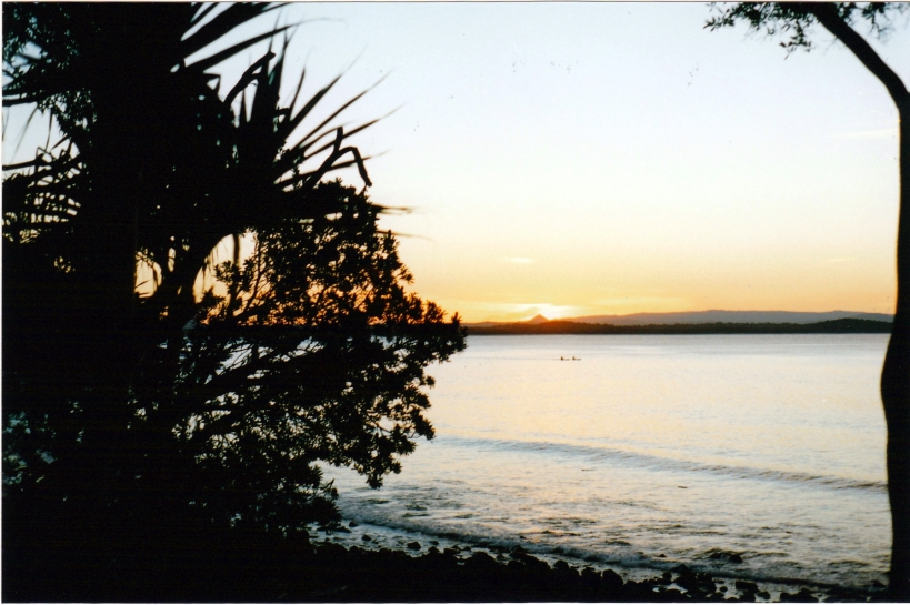 04-27-1998 04 sunset over bay noosa np.jpg