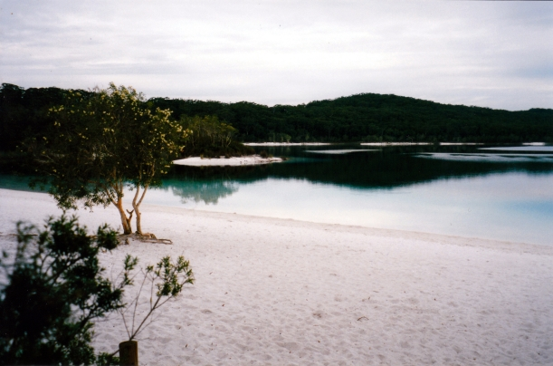 05-08-1998 05 first view Lake McKenzie Fraser Is.jpg