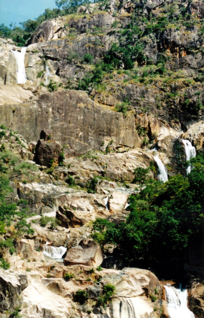 05-28-1998-02-jourama-falls-top