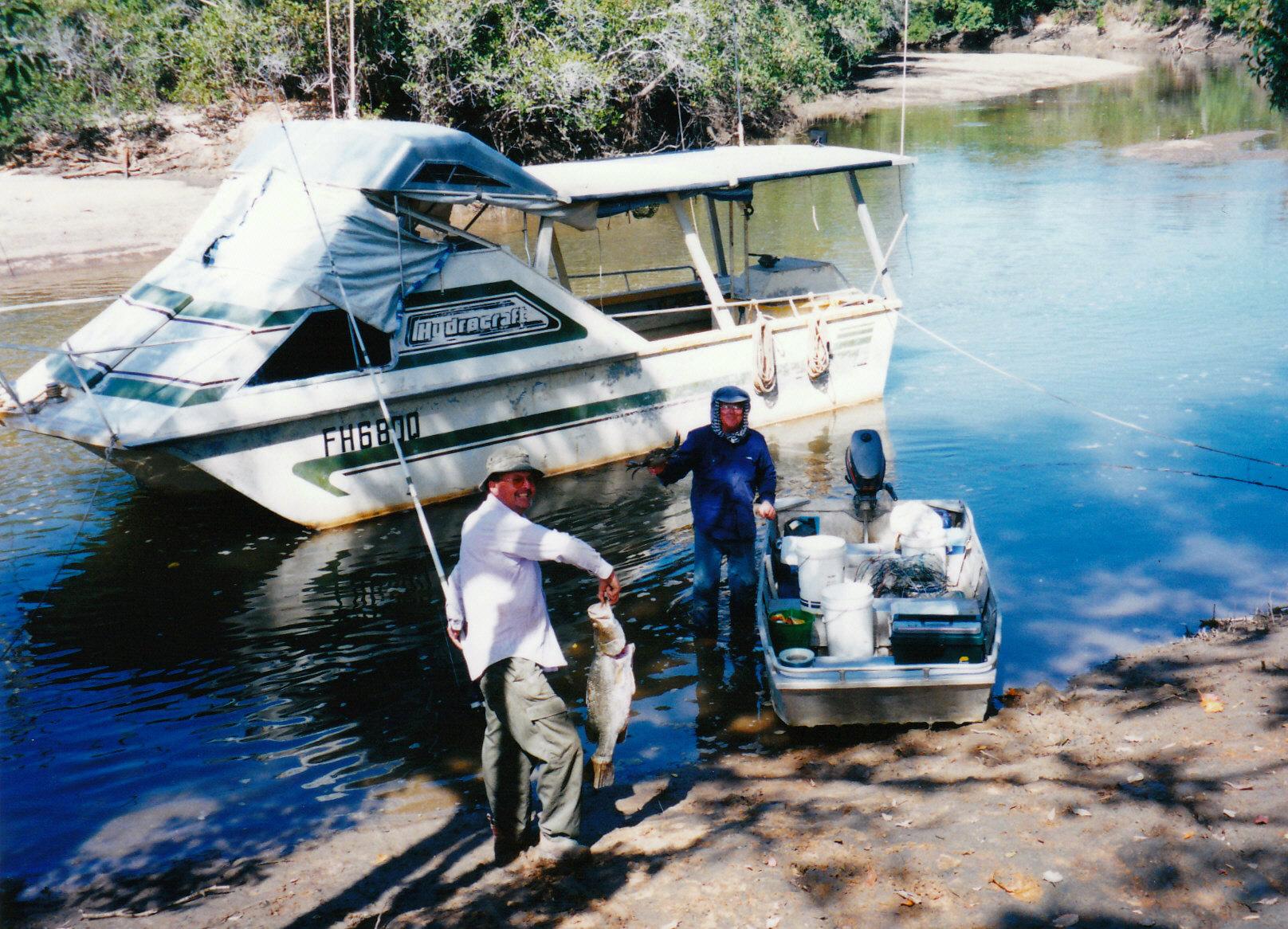 07-16-1998 01 des john barra mud crab.jpg