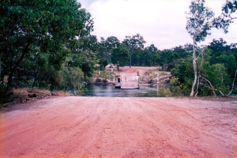 08-03-1998 03 jardine ferry.jpg