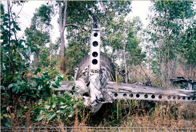 08-03-1998 06 dc3 wreck.jpg