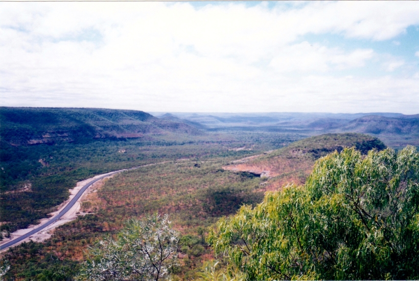 08-23-1998-07-view-sth-from-laura-escarpment