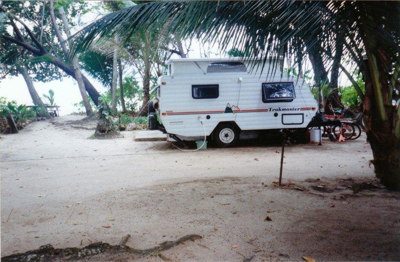 09-07-1998 van at wonga.jpg