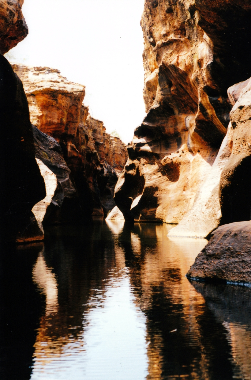 10-21-1998-09-cobbold-gorge-narrow-section-too