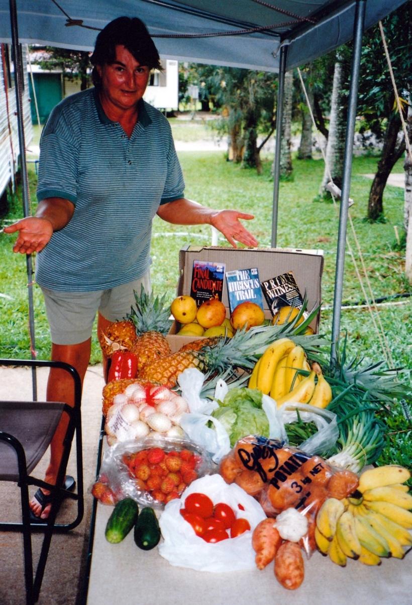 11-07-1998 atherton markets produce.jpg