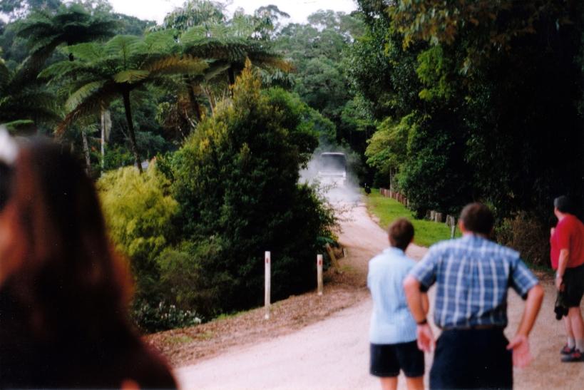 11-11-1998-03-bus-gets-away