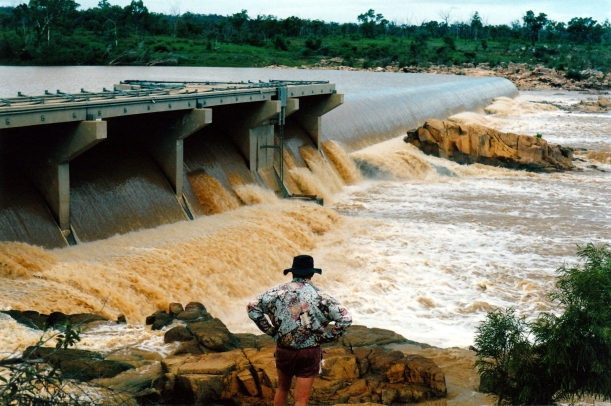 12-01-1998 07 dam burdekin.jpg
