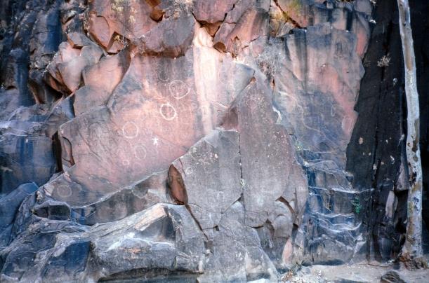 05-07-1999 03 aboriginal intaglio rock sacred canyon.jpg