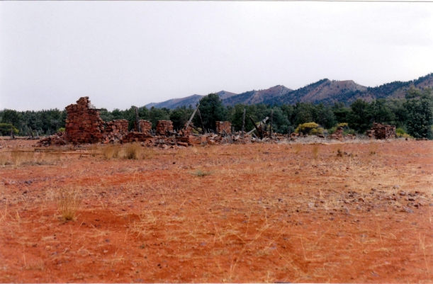 05-18-1999 07 artimore ruins.jpg
