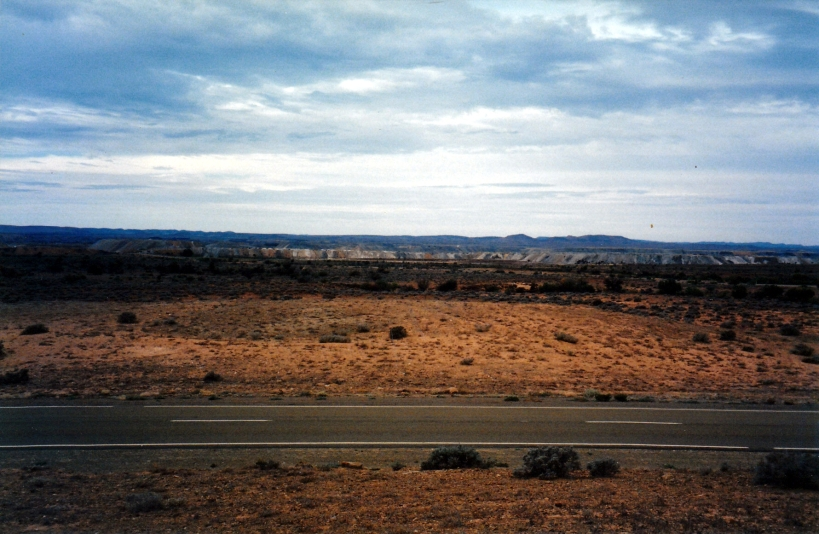05-20-1999 04 coalfields from main road