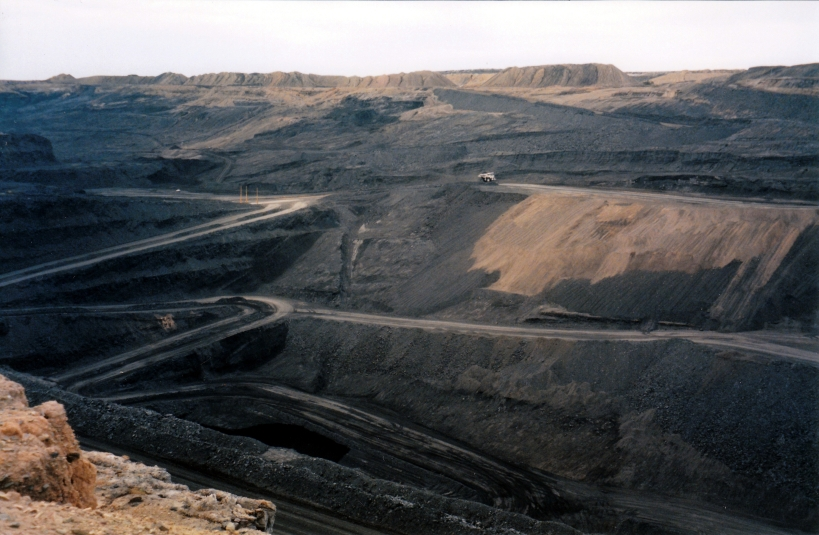 05-22-1999 01 open cut Leigh Creek.jpg