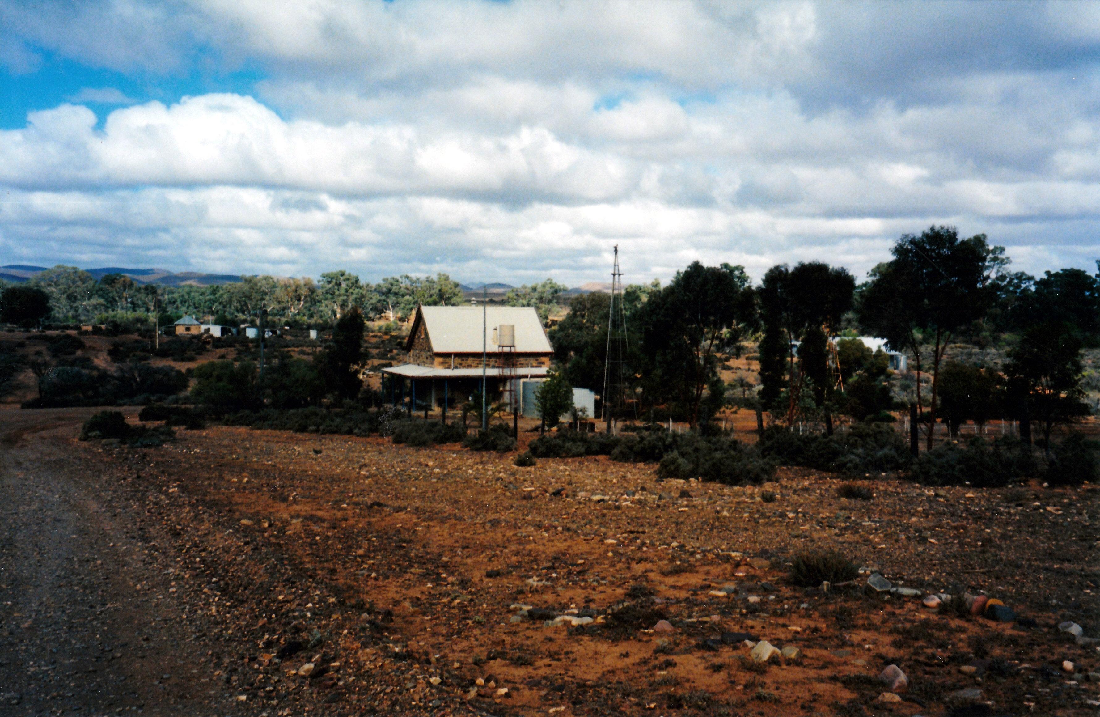 05-23-1999 03 Old schoolhouse Beltana