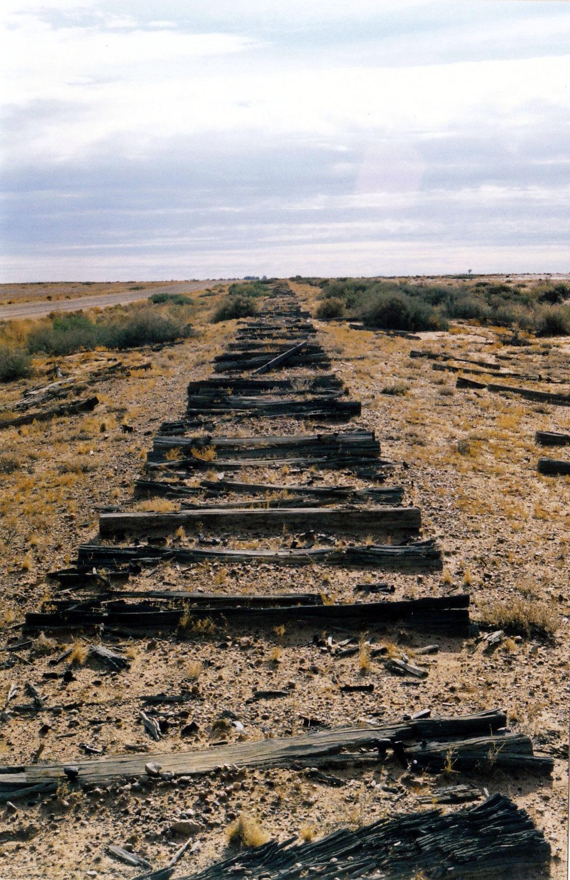 05-27-1999 04 old ghan rail remains.jpg