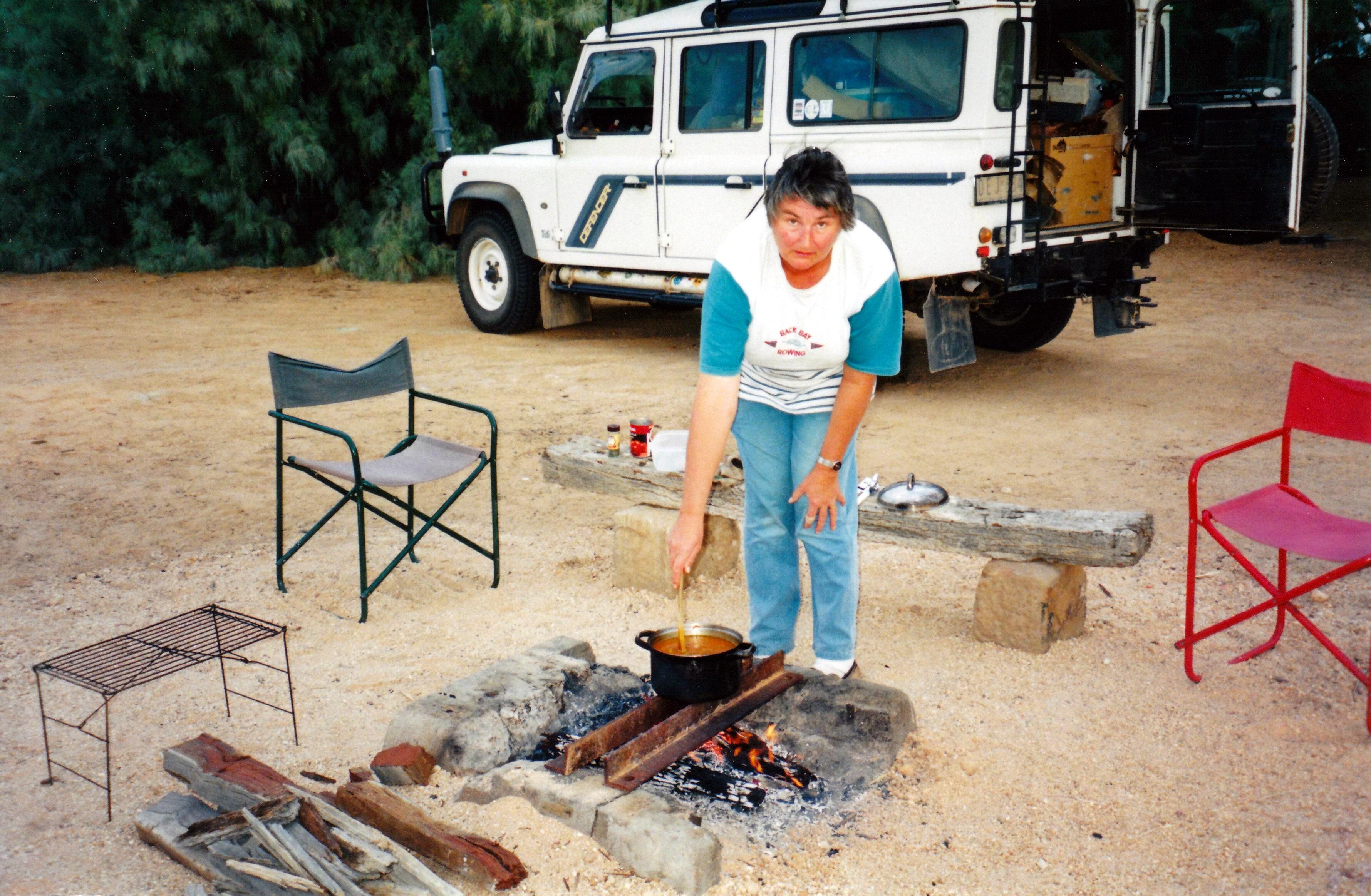 05-27-1999 05 Coward Springs making soup.jpg