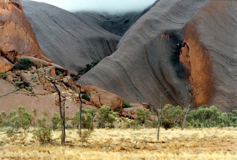 06-05-1999 Ayers Rock wet patterns.jpg