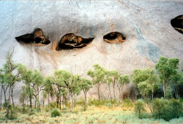 06-06-1999 Rock feature in wet