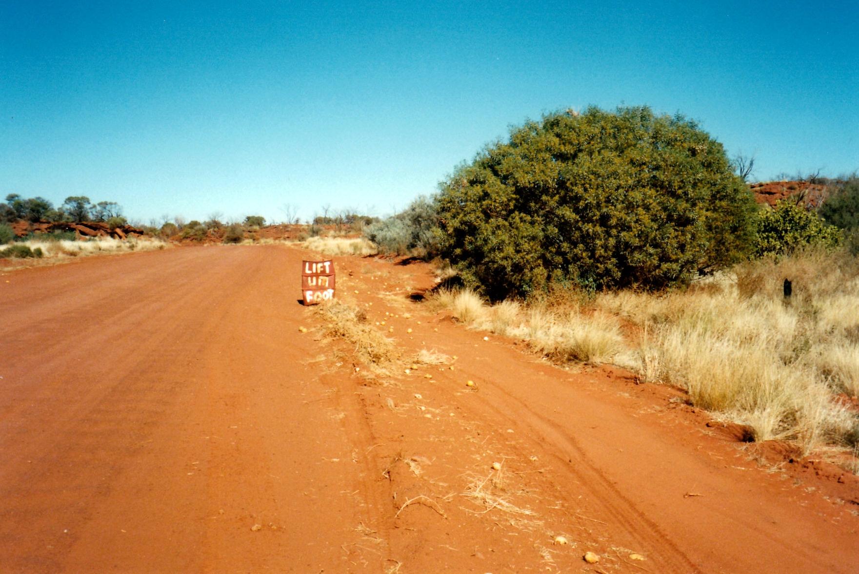 06-16-1999 02 meereenie loop sign