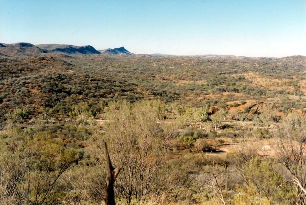 06-23-1999 11 Cassia Walk panorama LHS.jpg