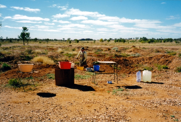 07-21-1999 02 our zircon fossicking rig.jpg