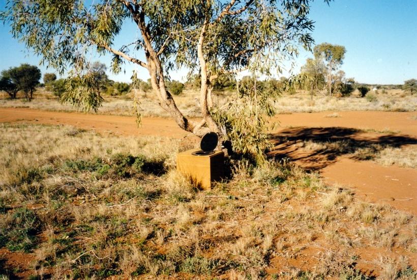 07-26-1999 08 bush dunny.jpg