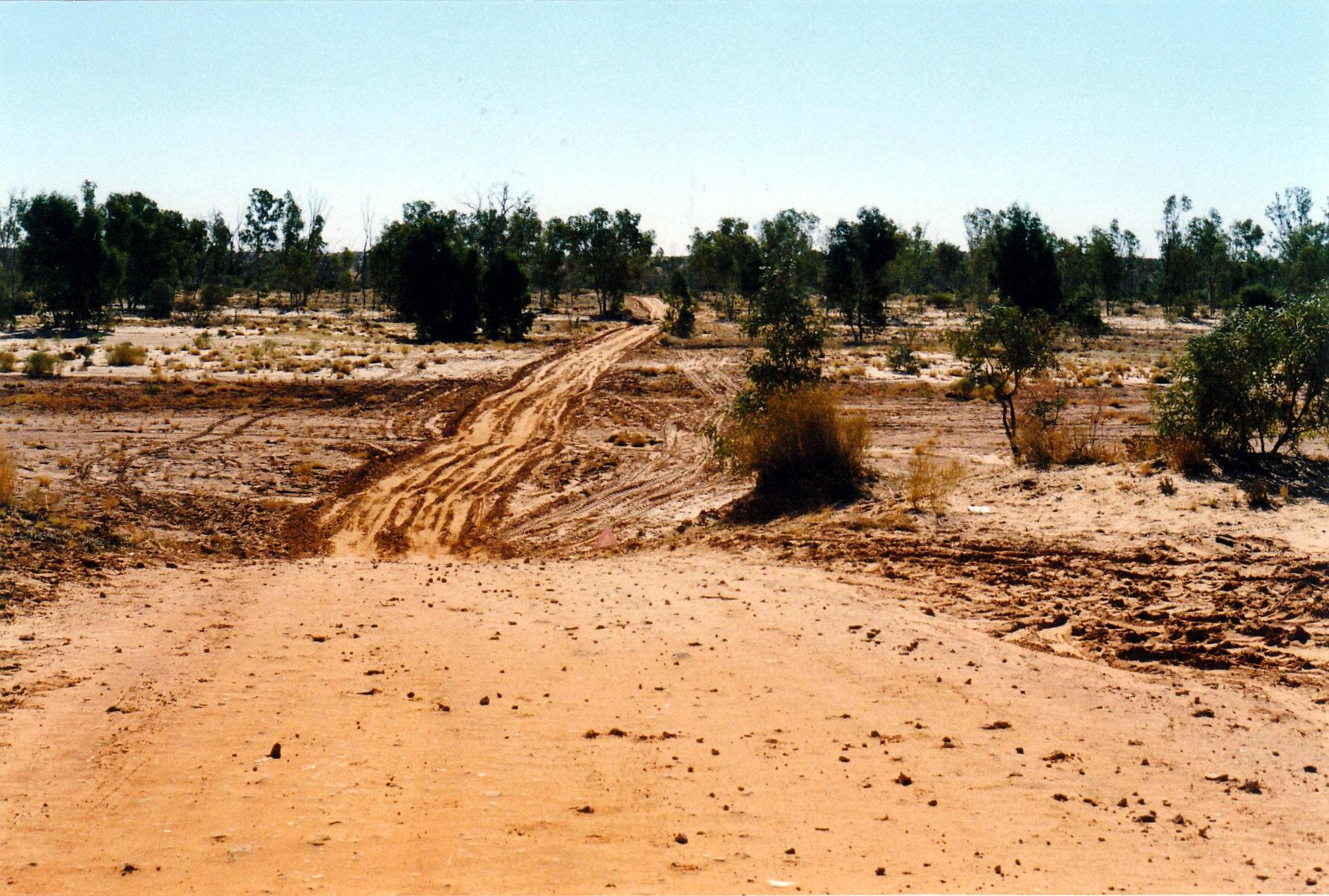 08-13-1999 11 finke river crossing