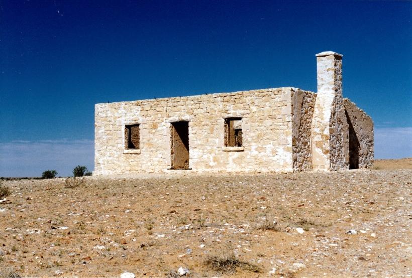 08-21-1999 02 Carcoory ruin former Kidman property