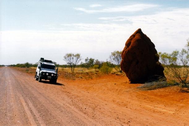 08-23-1999 02  Plenty Hwy big termite mound.jpg