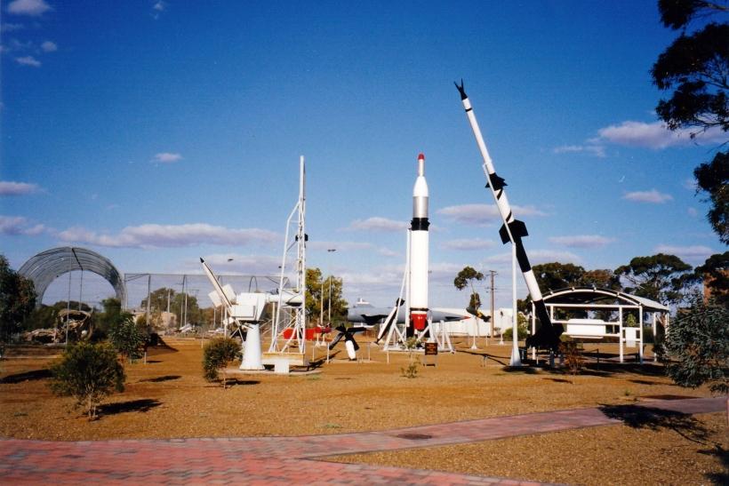 09-04-1999 bits and first rocket for satellite from woomera.jpg