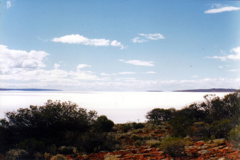 09-06-1999 lake gairdner view north.jpg