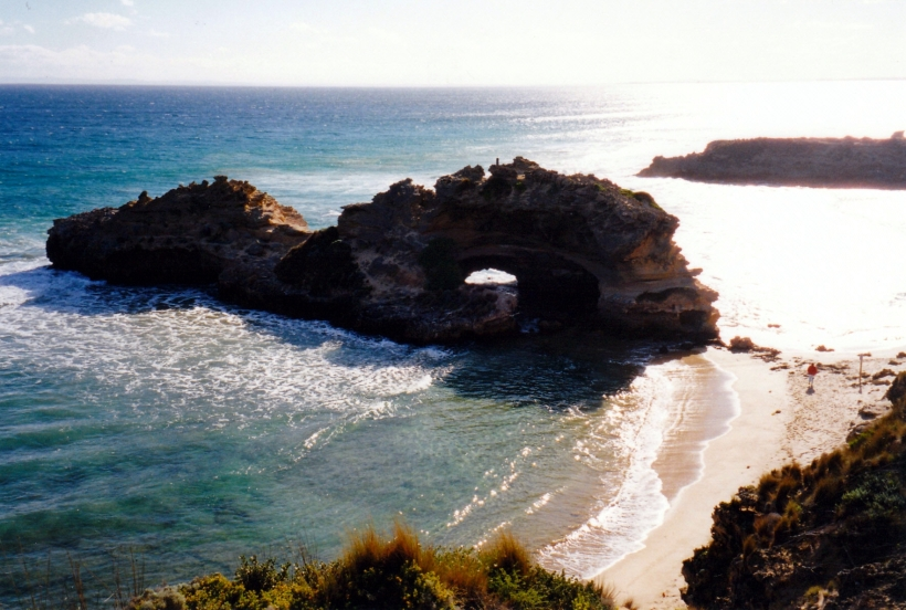 09-16-1999 London Bridge Portsea back beach.jpg