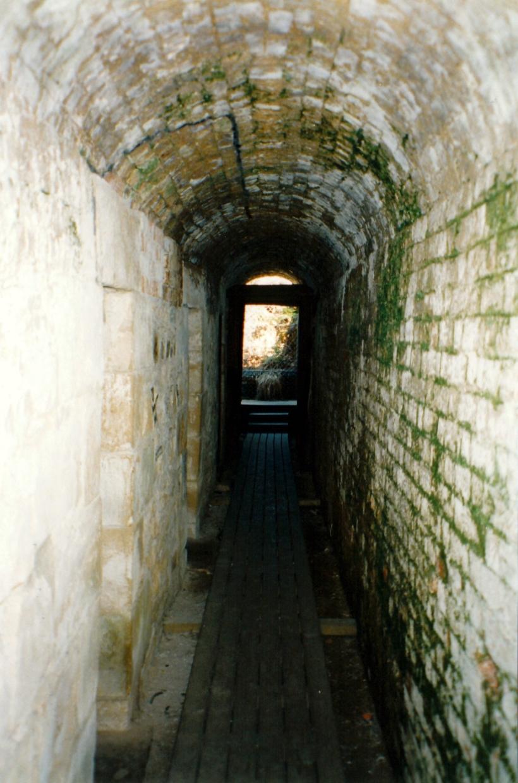 11-24-1999 cell block saltwater ruins.jpg