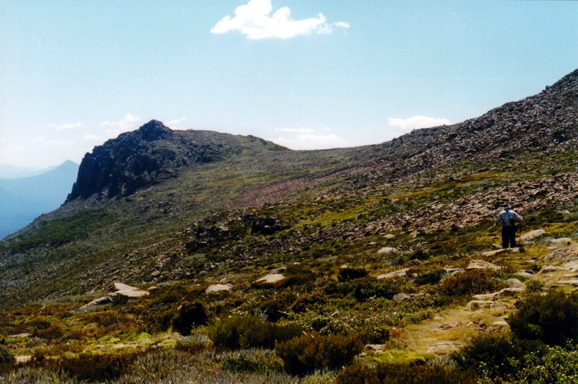 02-17-2000 16 heading for Newdegate Pass.jpg