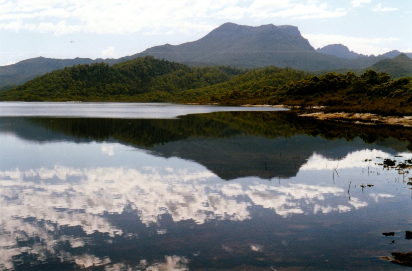 02-18-2000 06  lake pedder at edgar dam.jpg