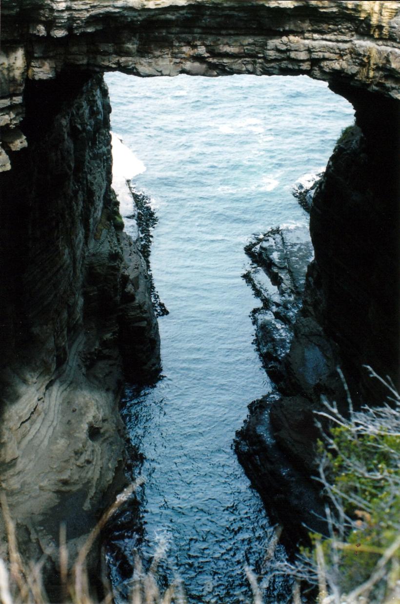 12-08-1999 tasman arch