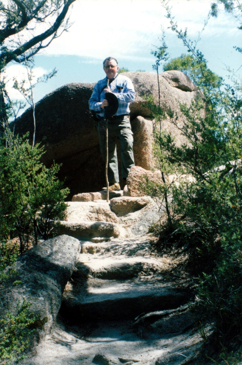 12-17-1999 01 J on Wineglass Bay walk tk.jpg