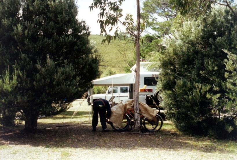 03-07-2000 Zeehan camp.jpg