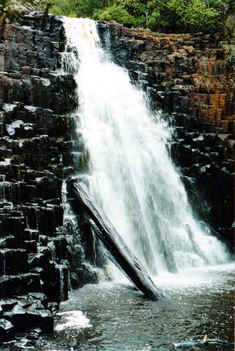 03-17-2000 dip falls view