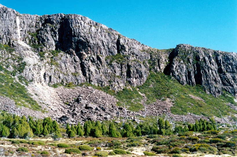 04-07-2000 14 Lake Bethesda panorama D West Wall.jpg