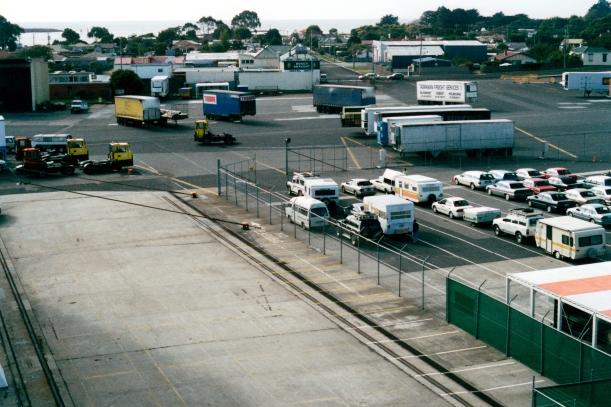 04-15-2000 ferry lineup.jpg