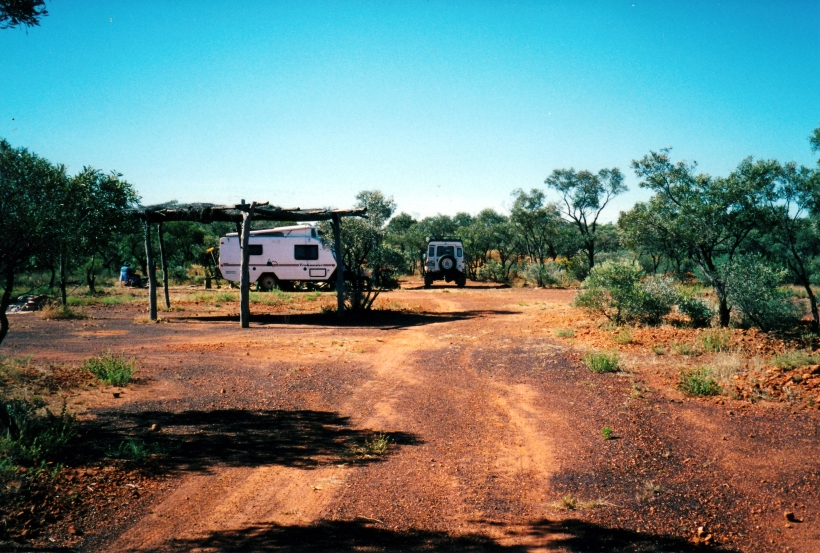 05-29-2000 track to Opalton camp.jpg