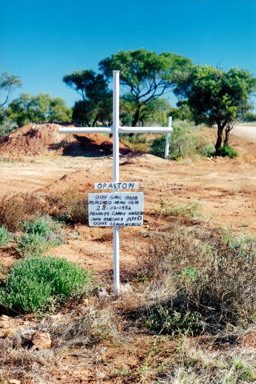 06-04-2000 Opalton memorial & warning.jpg