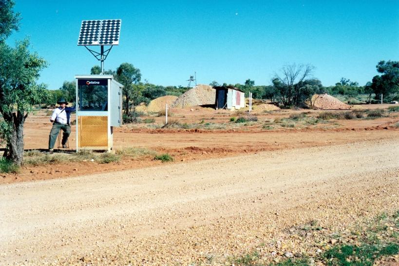 06-04-2000 Opalton phone box.jpg