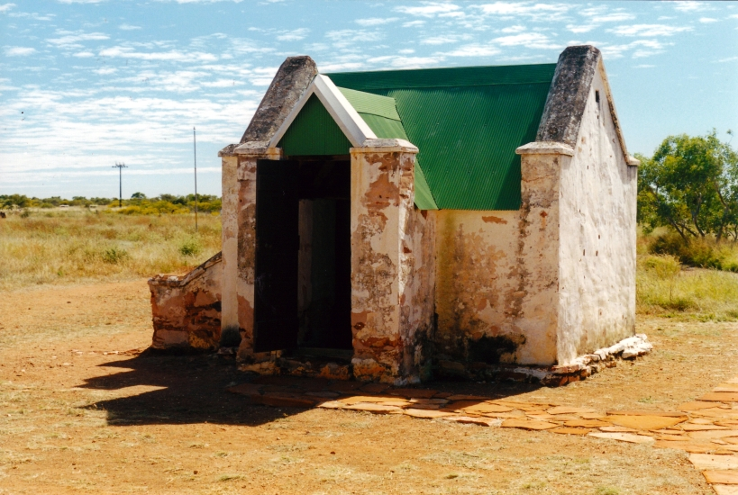 06-15-2000 Old Telegraph Station TC coolroom