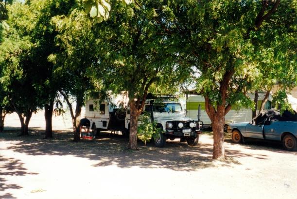 06-20-2000 Top Springs caravan facility.jpg