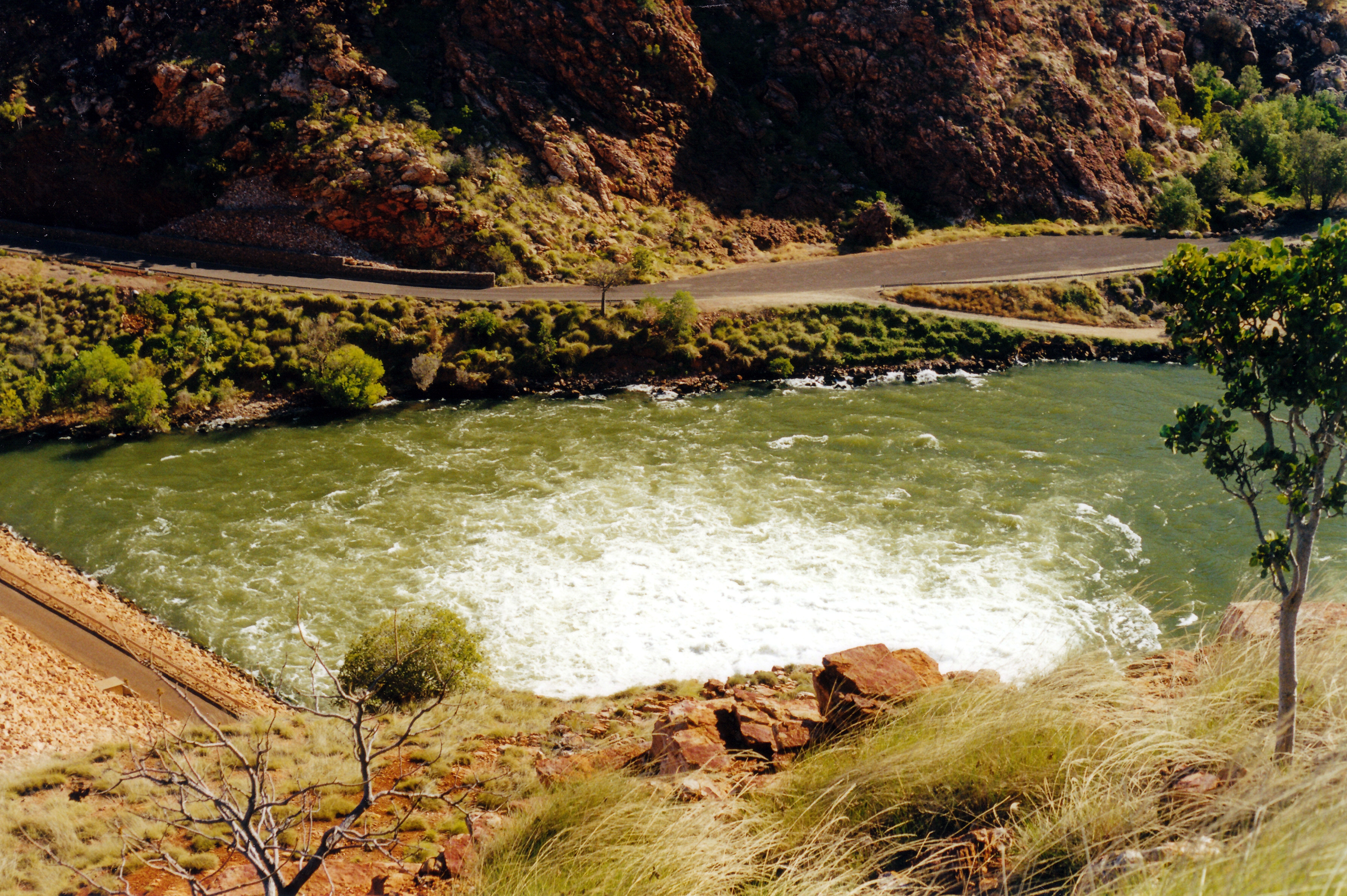06-27-2000 03 Lake Argyle outflow from hydro plant.jpg